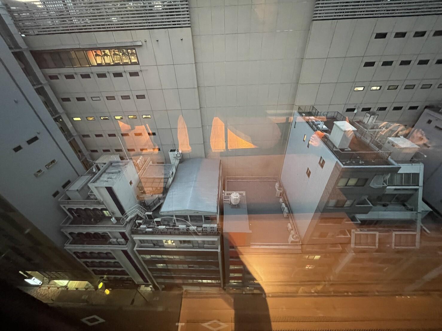 ACホテルの窓の外
